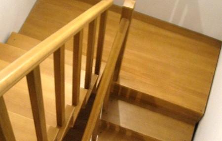 Как сделать лестницу в доме деревянную