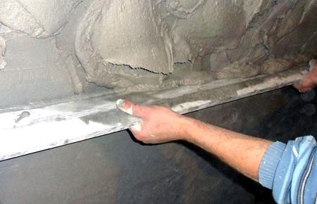 Как подготовить стены для обоев после штукатурки