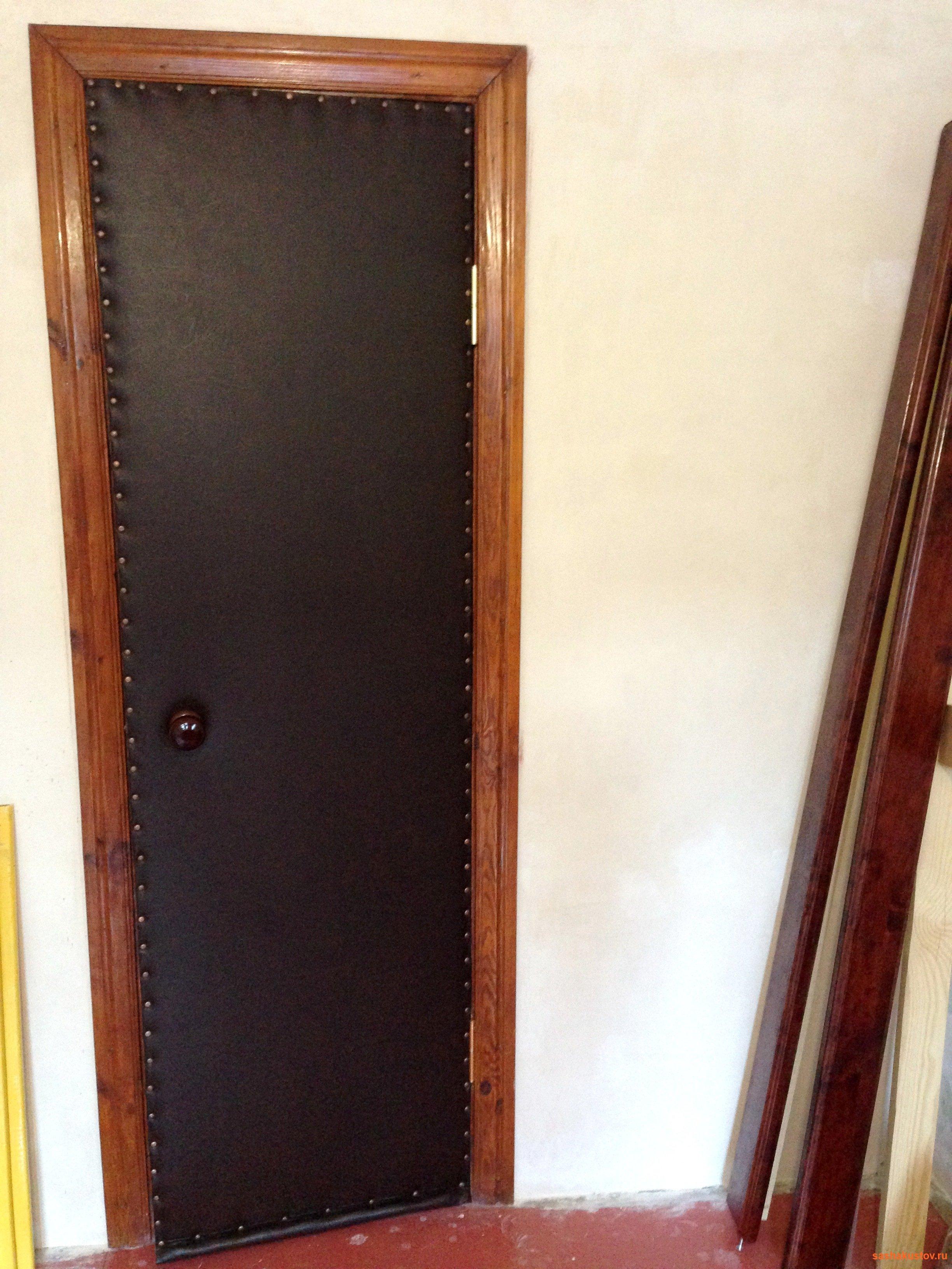 металлическая дверь оббитые дермантином дешево